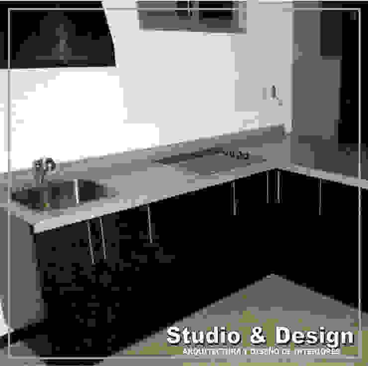Torre Xiris Cocinas minimalistas de STUDIO&DESIGN Minimalista Granito