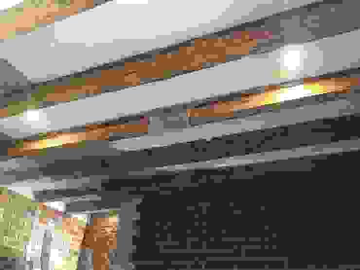 Casa de Campo Rancho Naranjales Dormitorios coloniales de Cahtal Arquitectos Colonial Madera Acabado en madera