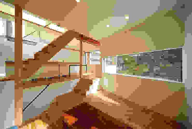 haus-gap 北欧デザインの リビング の 一級建築士事務所haus 北欧 木 木目調