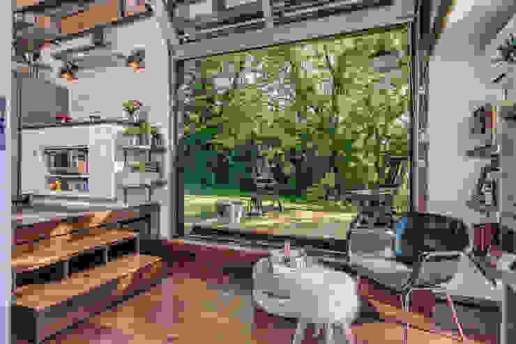 Classic style houses by รับเขียนแบบบ้าน&ออกแบบบ้าน Classic