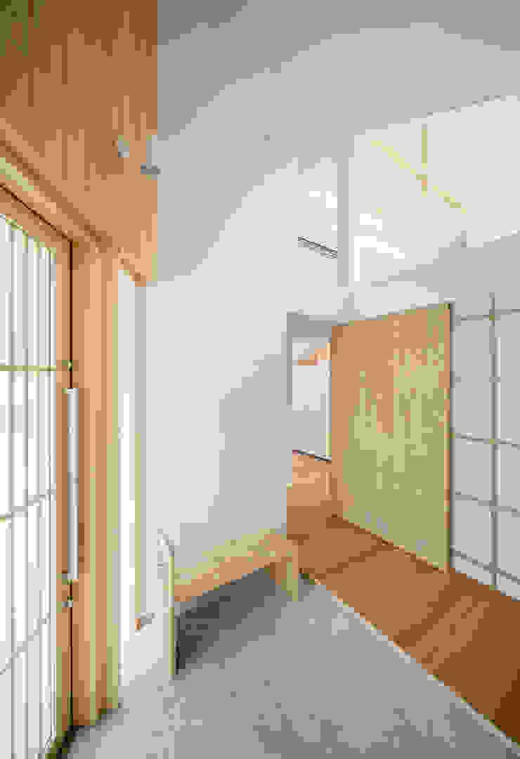 ทางเดินสไตล์สแกนดิเนเวียห้องโถงและบันได โดย 富永大毅建築都市計画事務所 สแกนดิเนเวียน ไม้ Wood effect