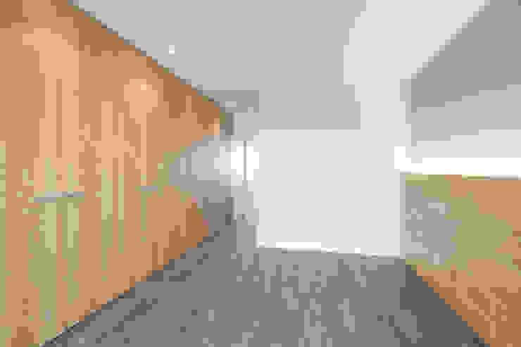Hab. Principal Dormitorios minimalistas de Bocetto Interiorismo y Construcción Minimalista Madera Acabado en madera