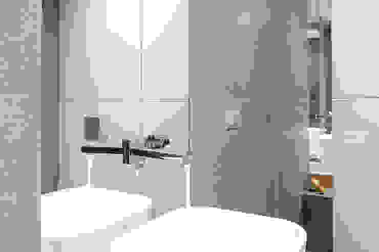 Finchstudio Ванная комната в стиле модерн