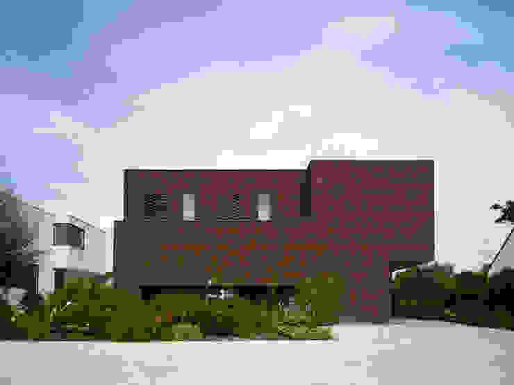 Casas de estilo minimalista de White Door Architects Minimalista