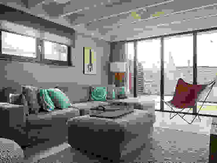 Hinabaay 现代客厅設計點子、靈感 & 圖片