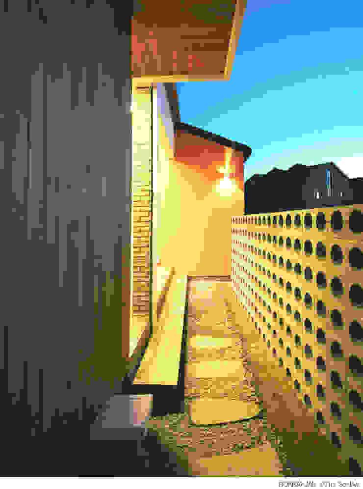 Balcone, Veranda & Terrazza in stile moderno di 소하 건축사사무소 SoHAA Moderno