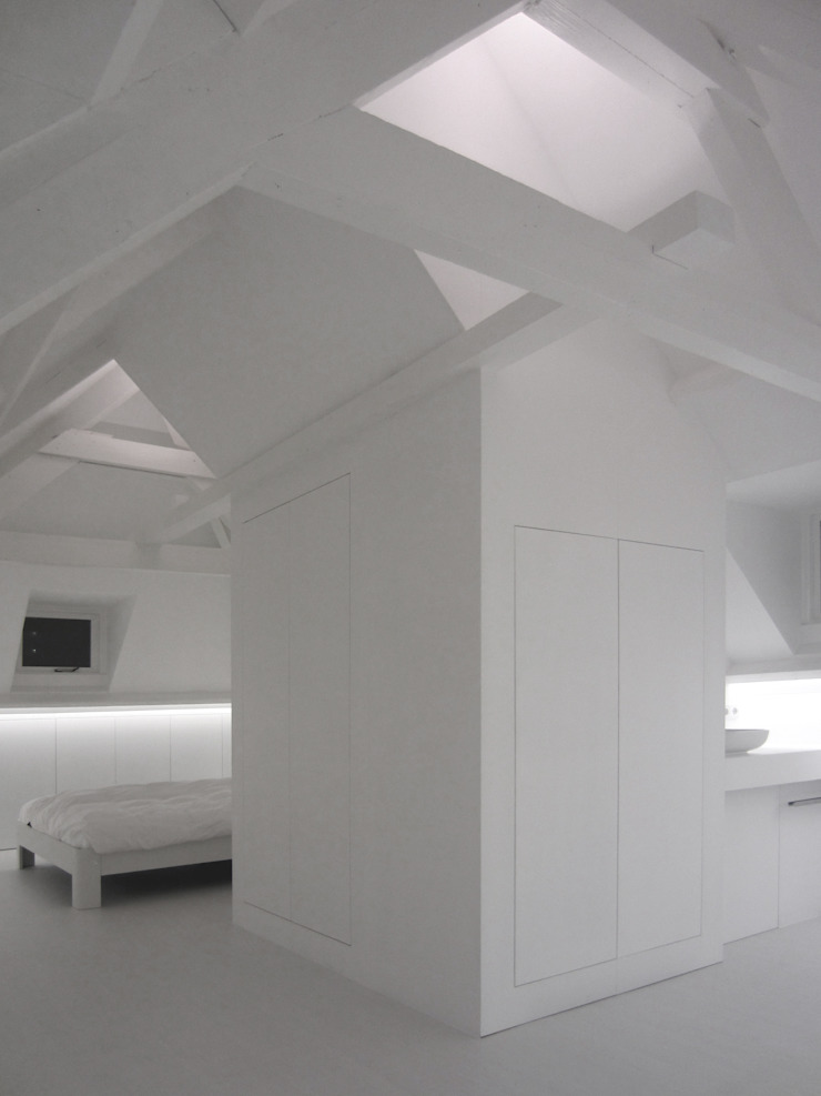 Huis SH, Zolder, Nieuwe situatie Moderne slaapkamers van Urban Pioneers Modern