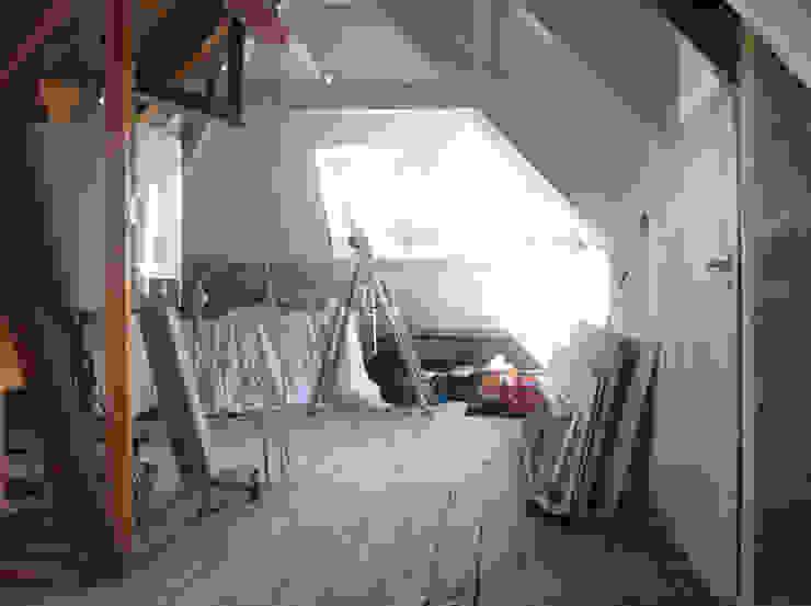 Huis SH, Zolder, Oude situatie Moderne slaapkamers van Urban Pioneers Modern