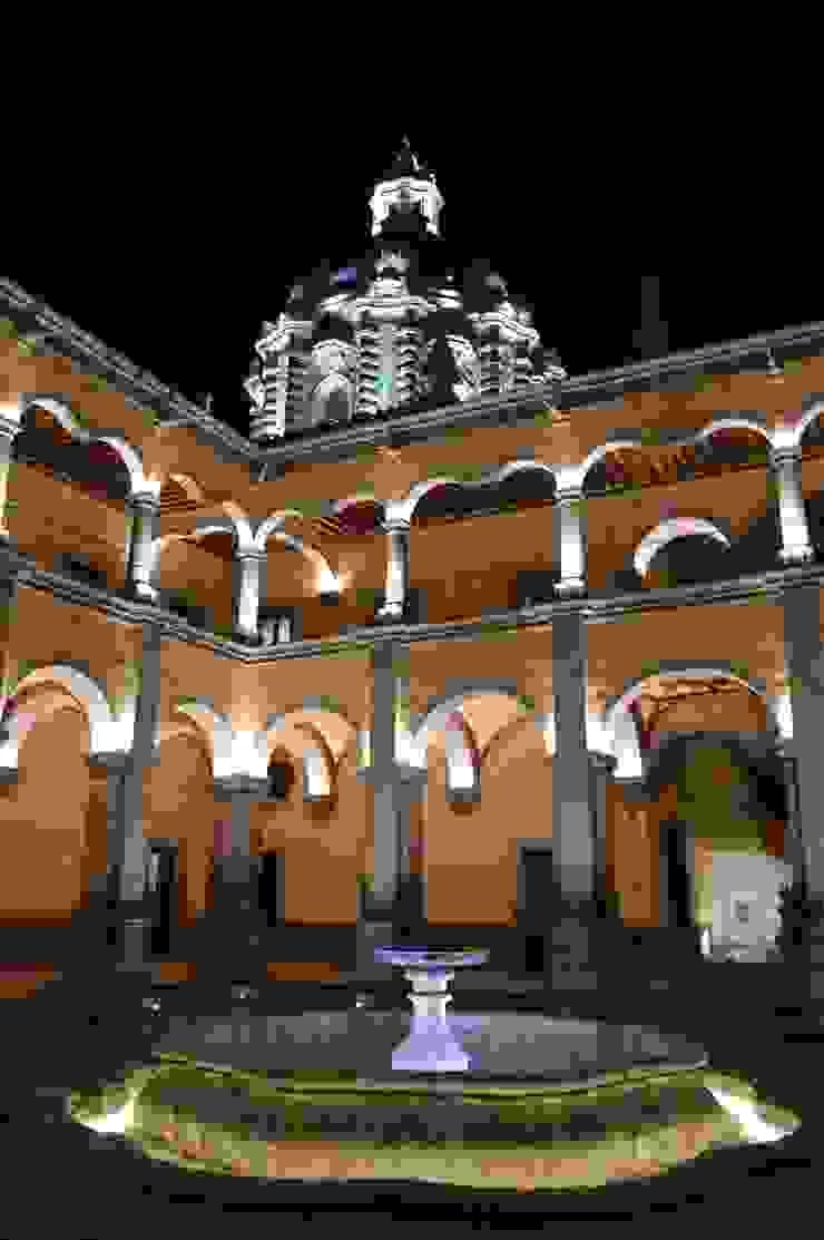 Cambios de Tonalidad de luz Locaciones para eventos de estilo colonial de Light and Effect By VOLTAG Colonial