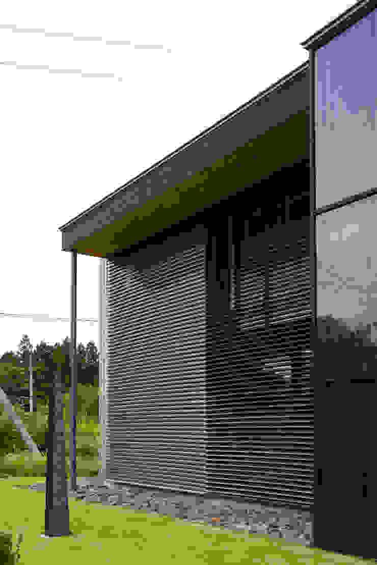 Moderne Häuser von 株式会社山崎屋木工製作所 Curationer事業部 Modern