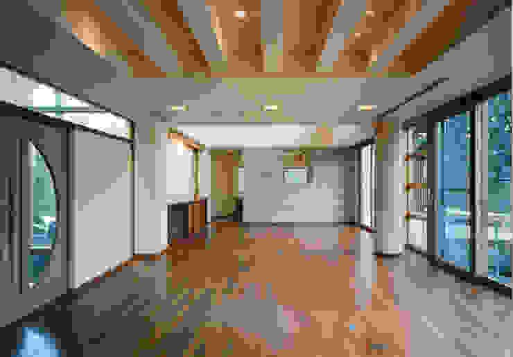 Livings de estilo mediterráneo de 豊田空間デザイン室 一級建築士事務所 Mediterráneo