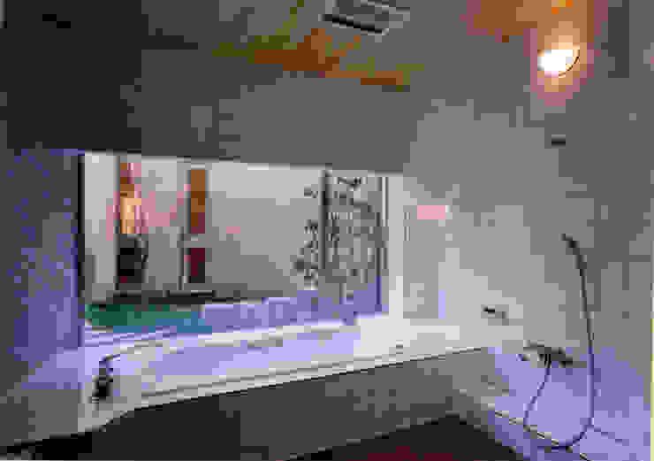 Spas de estilo mediterráneo de 豊田空間デザイン室 一級建築士事務所 Mediterráneo
