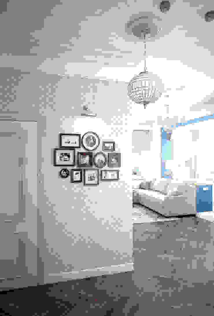 Klassischer Flur, Diele & Treppenhaus von Marina Sarkisyan Klassisch