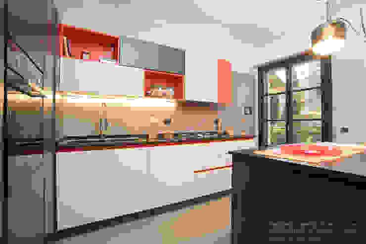 Cocinas de estilo moderno de Rachele Biancalani Studio Moderno Granito
