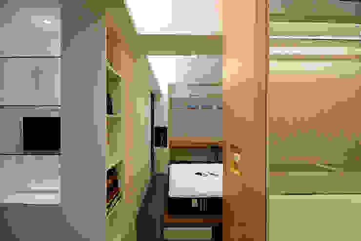 Kamar Tidur Modern Oleh 瓦悅設計有限公司 Modern