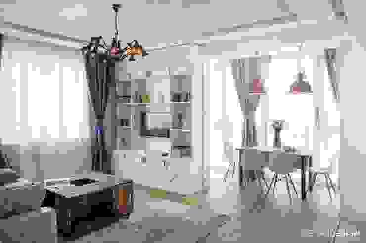 Квартира в средиземноморском стиле в Сочи: Гостиная в . Автор – metrixdesign, Средиземноморский