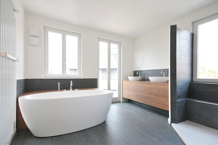 Eclectic style bathroom by baufactum Eclectic