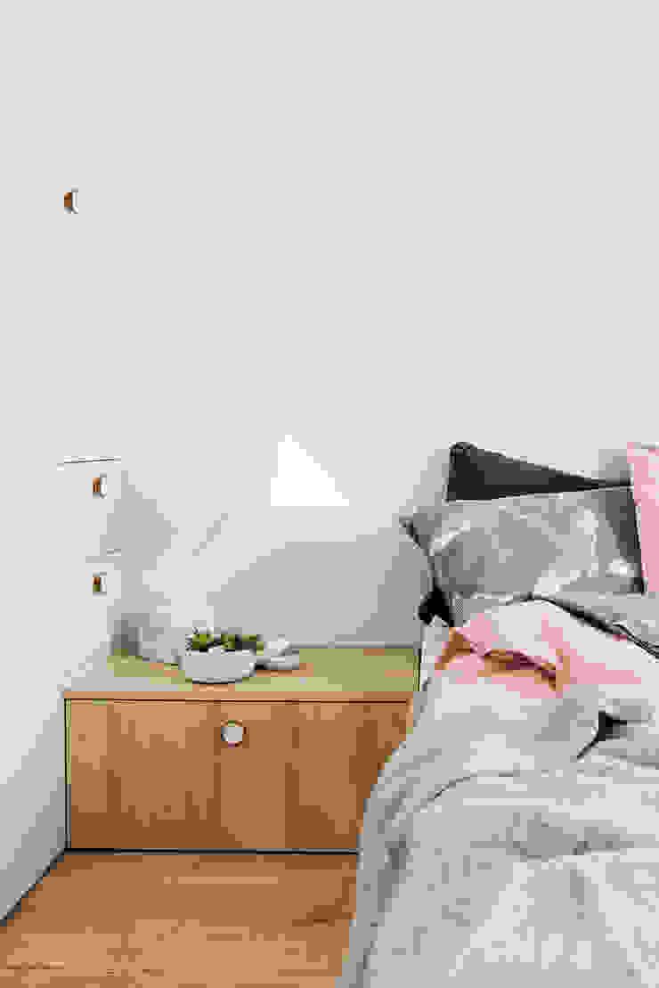 PATIO HOUSE Skandynawska sypialnia od Pracownia projektowa Na Antresoli Skandynawski