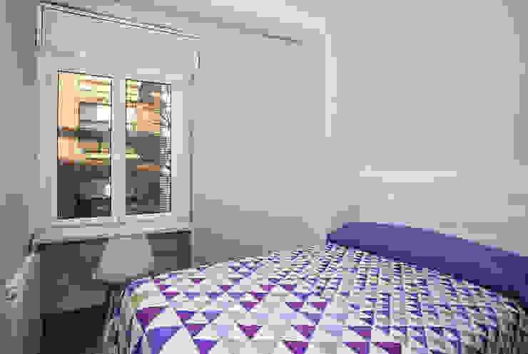 Dormitorios de estilo  por Grupo Inventia,