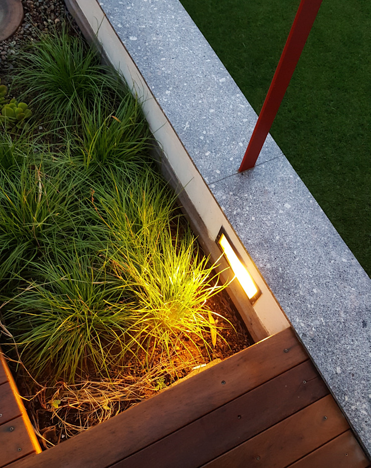 roof garden lighting Modern garden by Human Voice Architects Modern