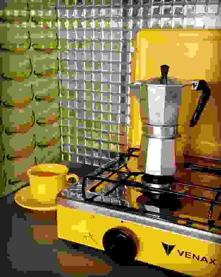 Bianca Ferreira Arquitetura e Interiores Commercial Spaces Aluminium/Zinc Yellow