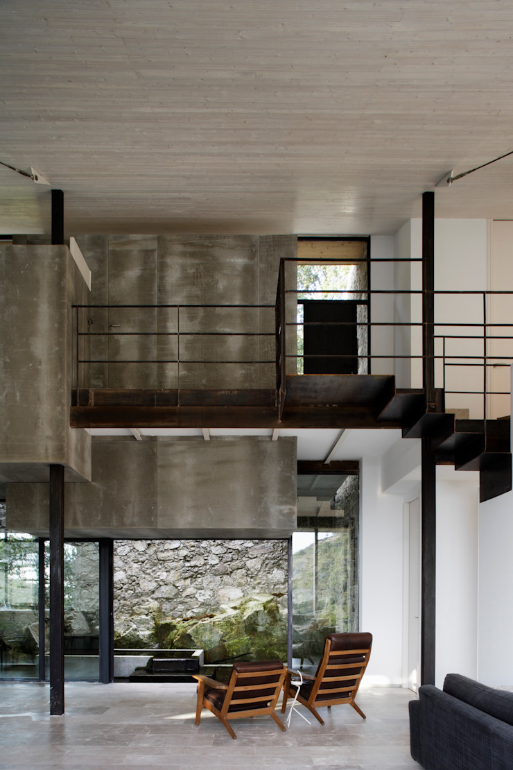 Modern corridor, hallway & stairs by ÁBATON Arquitectura Modern