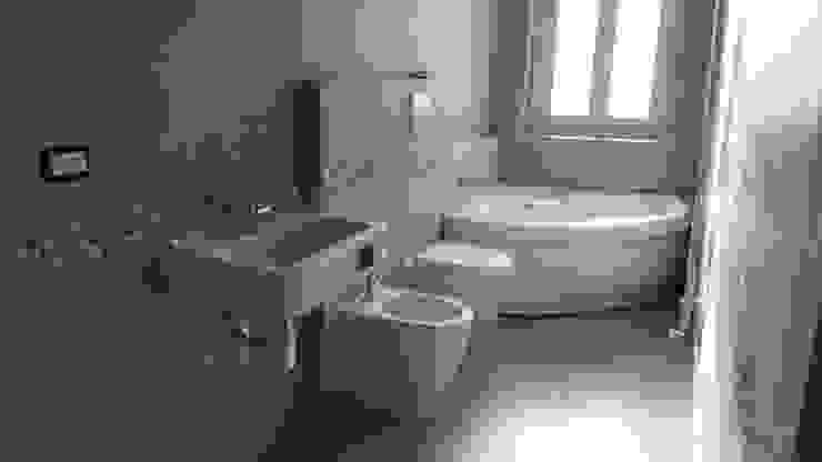 ห้องน้ำ โดย Argeo S.r.l.,