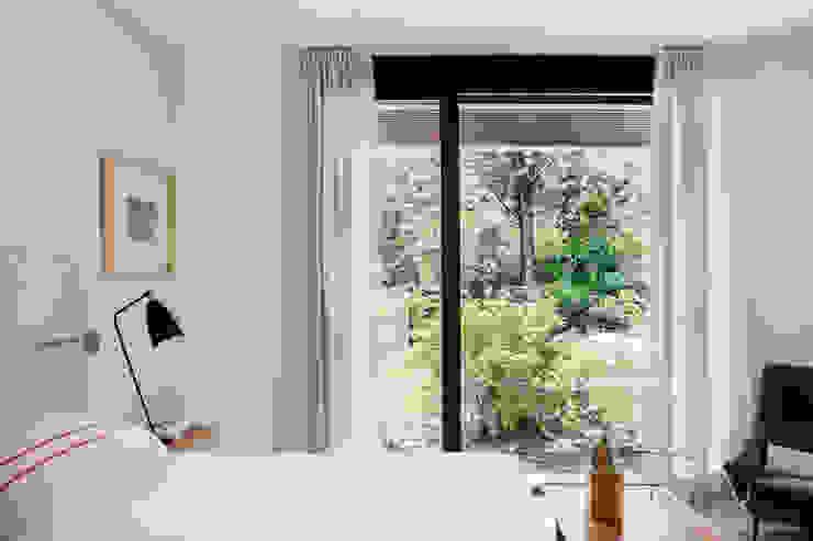 Спальня в стиле модерн от ÁBATON Arquitectura Модерн