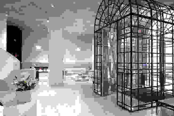 Joe Ginsberg Design Hotel Modern Amber/Gold