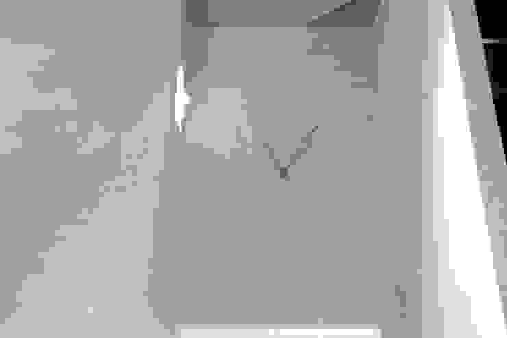 Joe Ginsberg Design Hotel Modern White