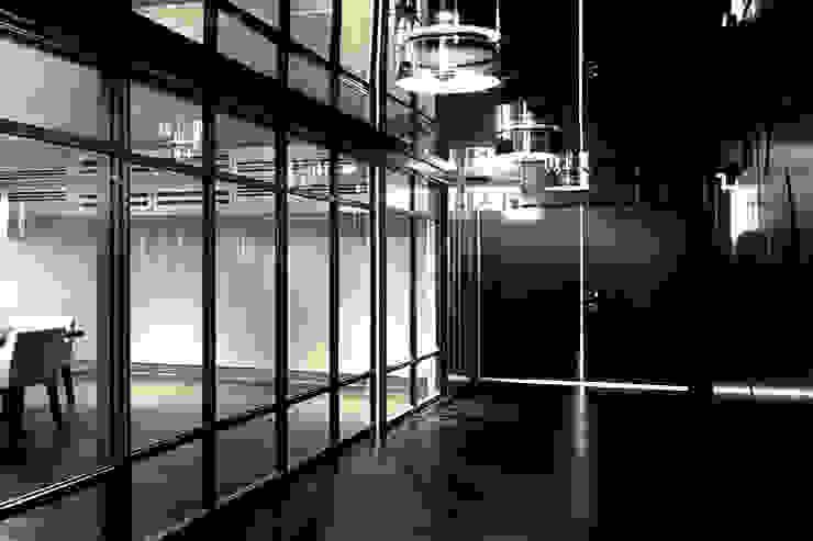 Joe Ginsberg Design Hotel Modern Brown