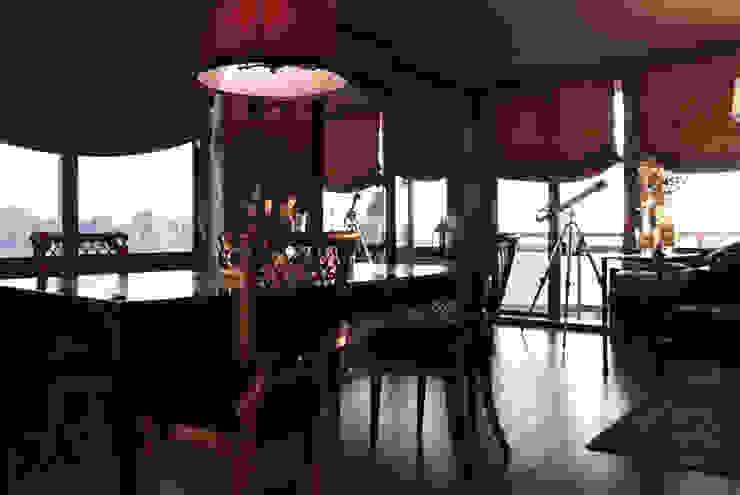 Joe Ginsberg Design Ruang Makan Gaya Eklektik Red