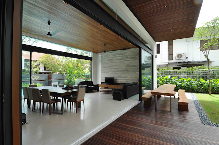 Living room by ming architects, Tropical