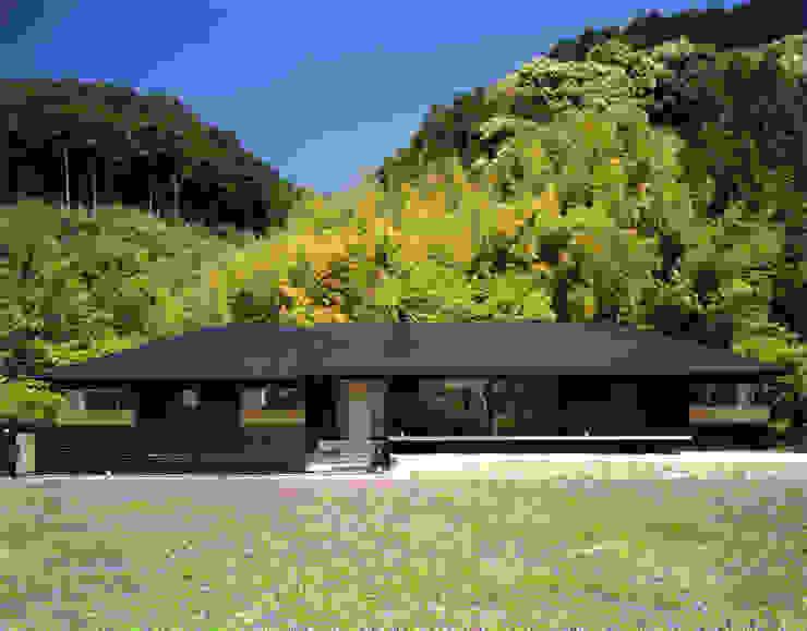 Casas de estilo  de 柳瀬真澄建築設計工房 Masumi Yanase Architect Office, Moderno