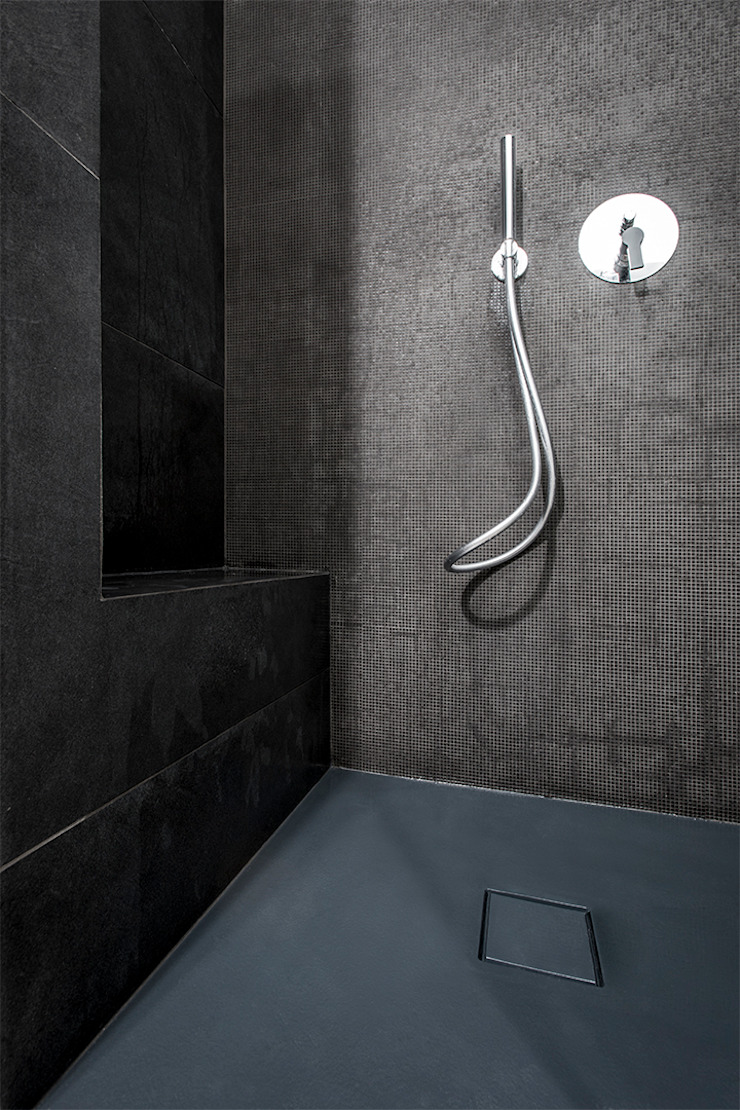 現代浴室設計點子、靈感&圖片 根據 Archifacturing 現代風