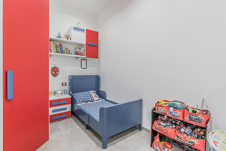 Modern Kid's Room by Facile Ristrutturare Modern