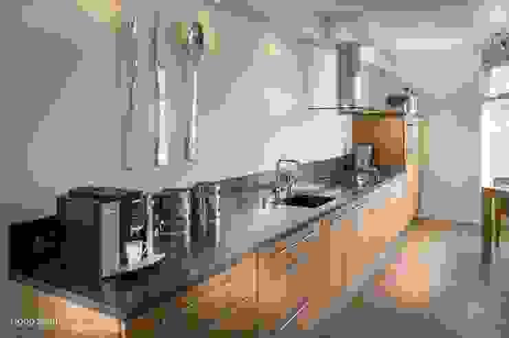 Handgemaakte maatwerkkeuken, teak met Belgisch hardstenen werkblad Joep Schut, interieurmaker Moderne keukens Hout Hout