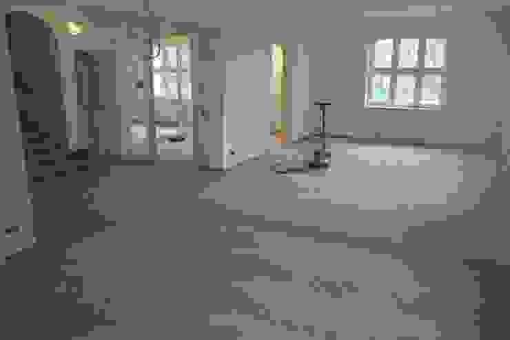 Parkett Kessel Meisterfachbetrieb Offices & stores Wood Beige