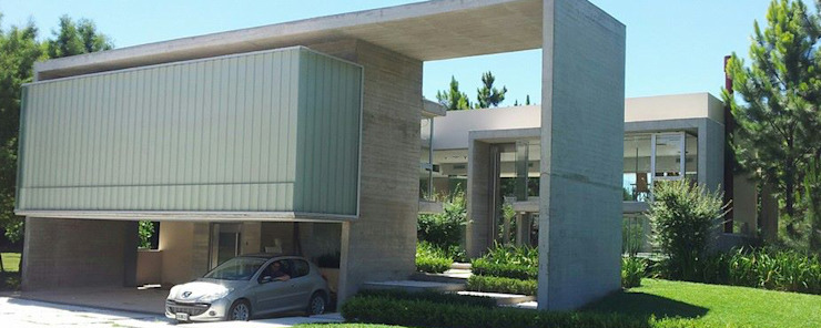 INGRESO Modern houses by ESTUDIO ARQUITECTURA Modern Concrete