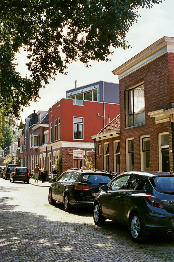 Verbouw woning Groningen Moderne huizen van Architectenburo Holtrop Modern