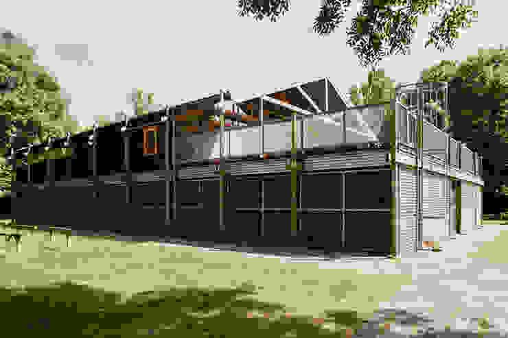 Botenhuis in Haren Industriële bars & clubs van Architectenburo Holtrop Industrieel
