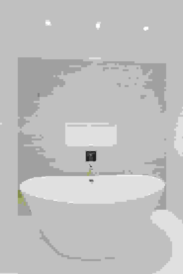Master Bathroom with Free standing vessel tub HOMEREDI Modern Bathroom Quartz White