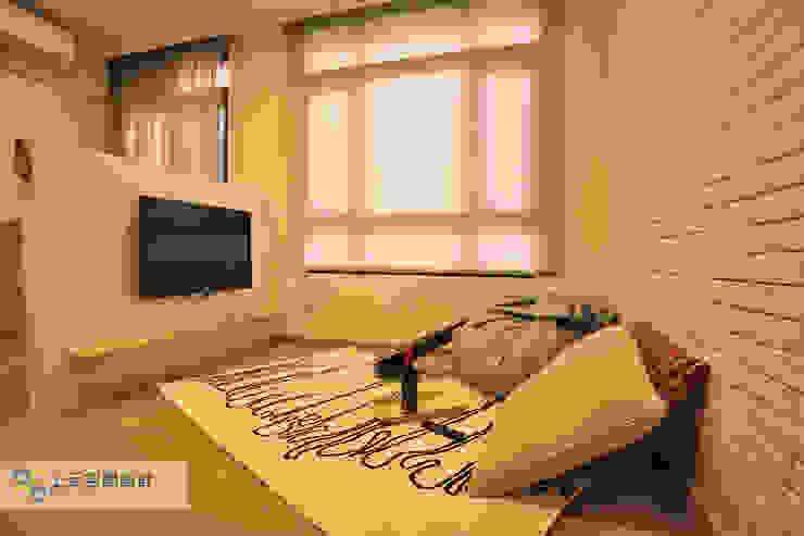 Dormitorios de estilo escandinavo de 上云空間設計 Escandinavo