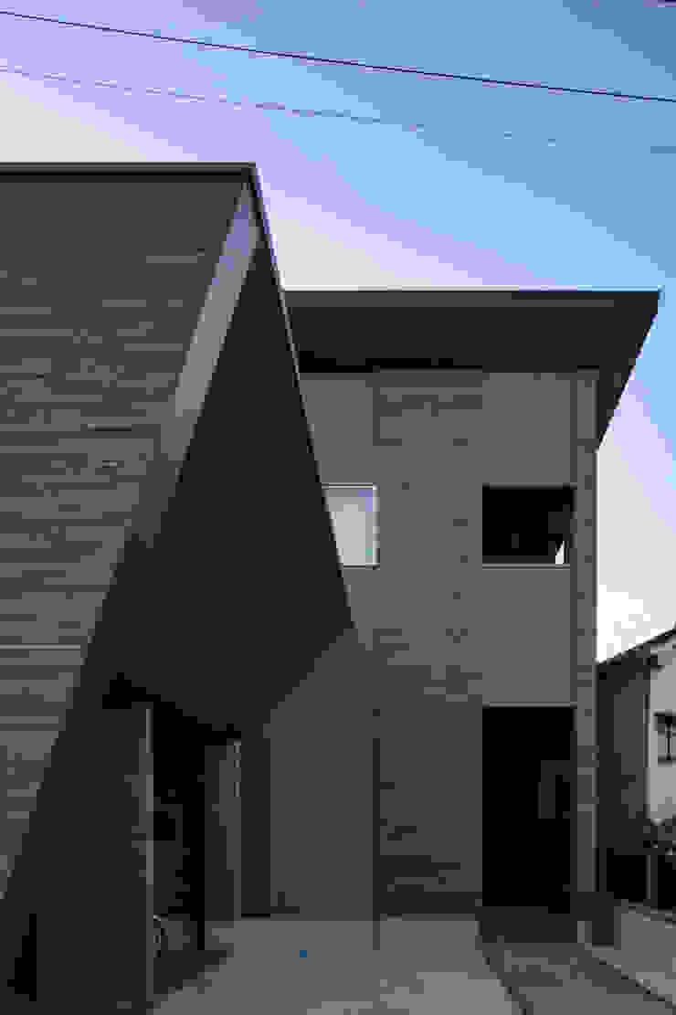 Casas estilo moderno: ideas, arquitectura e imágenes de 有限会社アルキプラス建築事務所 Moderno