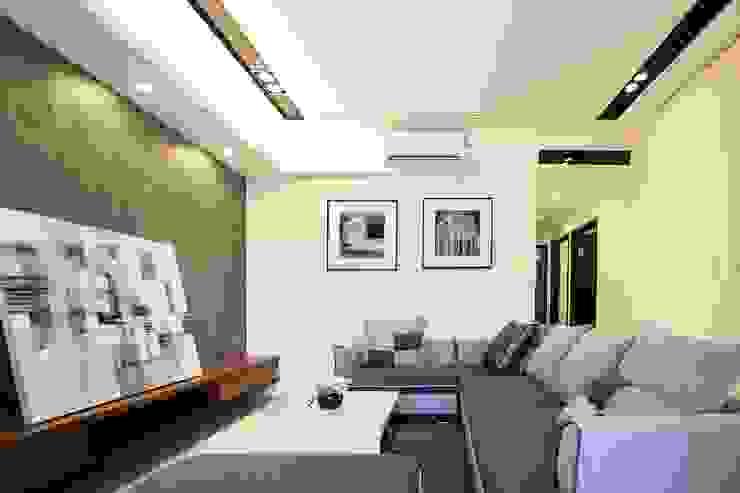 侑信仁和-實品屋 現代房屋設計點子、靈感 & 圖片 根據 栩 室內設計 現代風