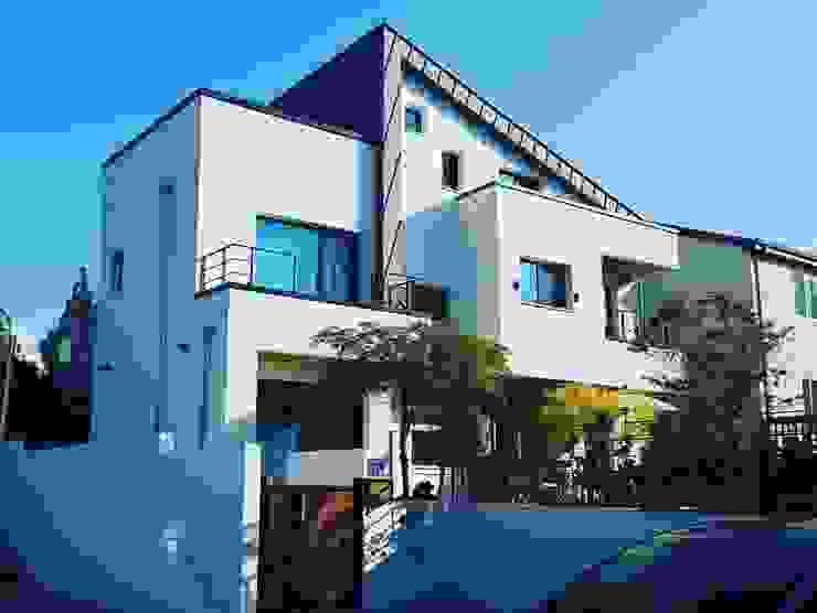수완동 단독주택 모던스타일 주택 by 인우건축사사무소 모던 철근 콘크리트