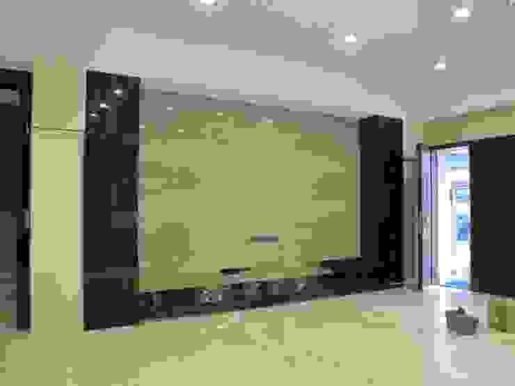 台南(陳公館)新建住宅 现代客厅設計點子、靈感 & 圖片 根據 三月室內裝修設計有限公司 現代風