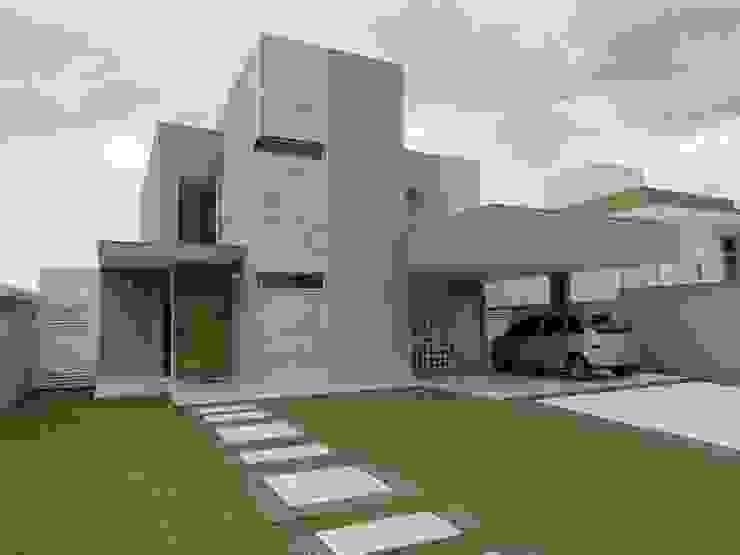 Modern home by Habitat arquitetura Modern Ceramic