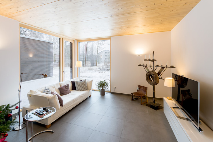 Moderne woonkamers van sebastian kolm architekturfotografie Modern Hout Hout