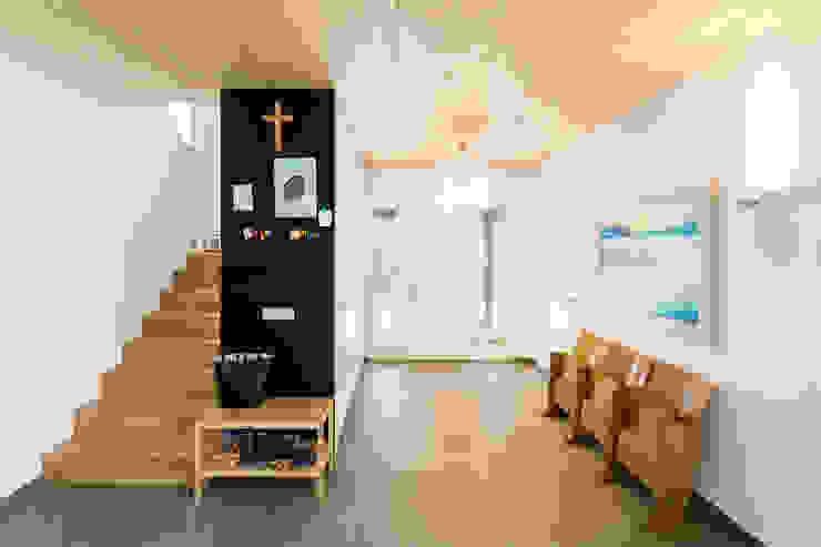 Moderne gangen, hallen & trappenhuizen van sebastian kolm architekturfotografie Modern Hout Hout